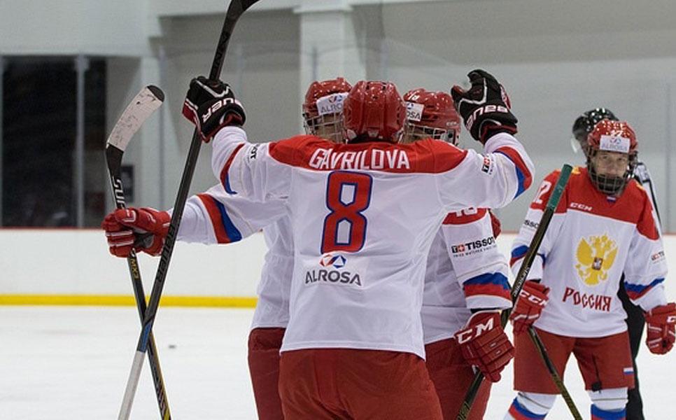 Русские хоккеистки победили «Нью-Йорк Риветерс» ввыставочном матче