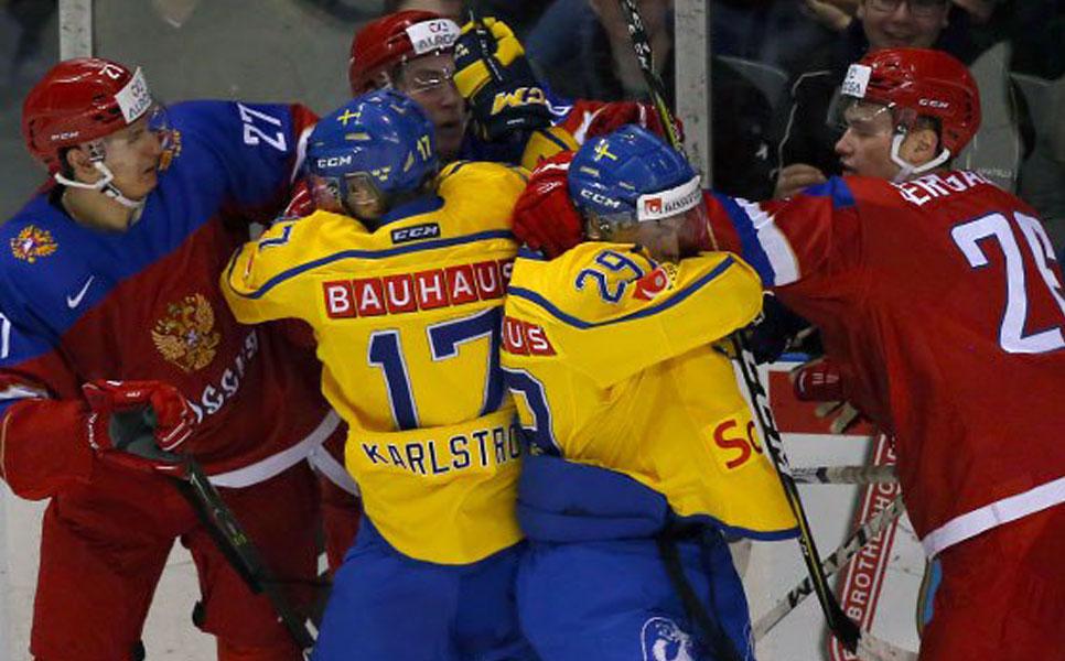 Русские хоккеисты уступили шведам вконтрольном матче перед молодежнымЧМ