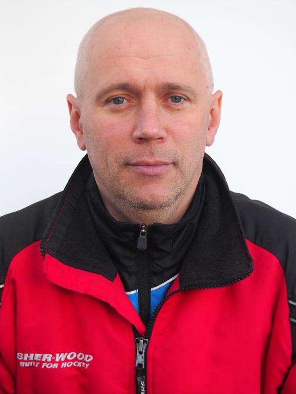 Главный тренер Гершфельд Владислав Юрьевич тел.8-905-858-47-16