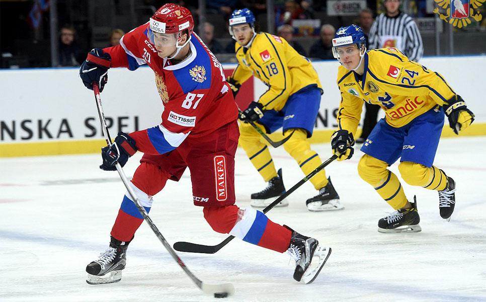 Русские хоккеисты вовертайме уступили Швеции вматче Евротура